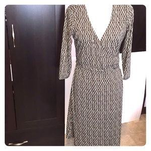 🦋Ann Taylor loft light tan black dress. Size 10.